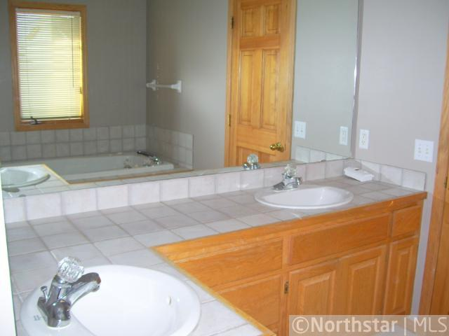 16680 Lakeview Court - photo 10